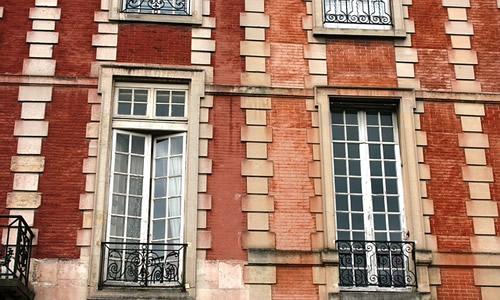 facade-489805_640
