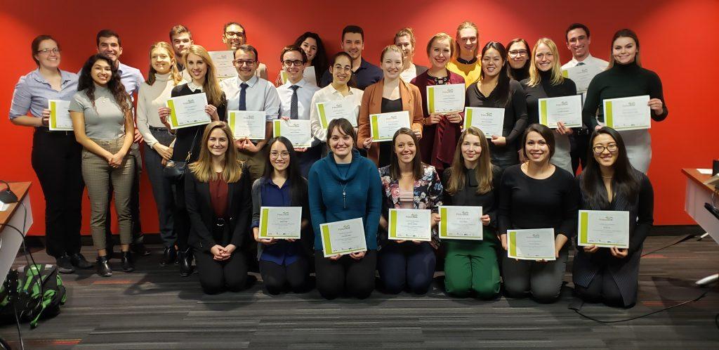 Photo des diplomes d'Ambassa-docteur d'Ottawa